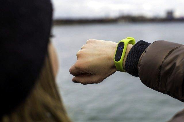 GUIDE D'ACHAT des bracelets connectés Slim & ultra légers