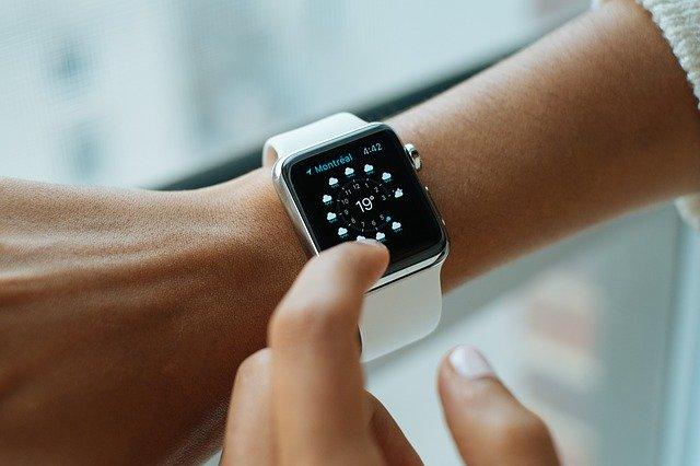 GUIDE D'ACHAT des montres connectées de style Apple Watch