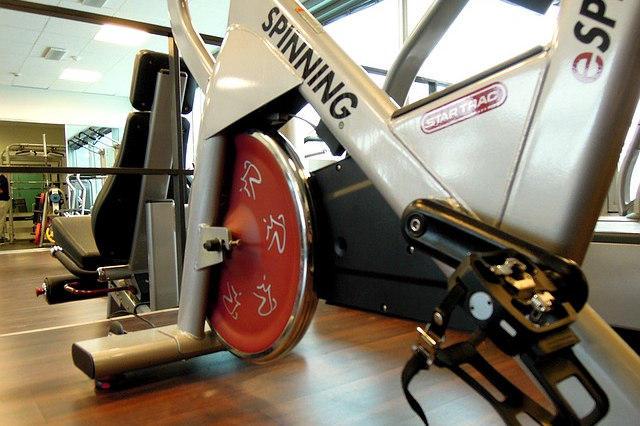 GUIDE D'ACHAT des vélos d'appartement pour spinning ou RPM